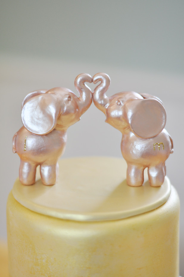 Kissing Elephants Cake Topper
