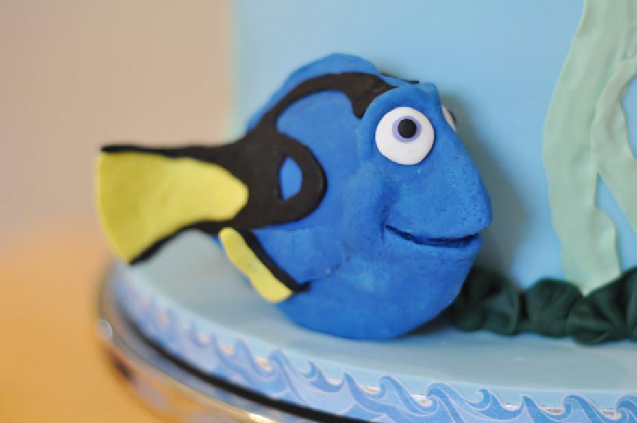 Dory Cake Figurine
