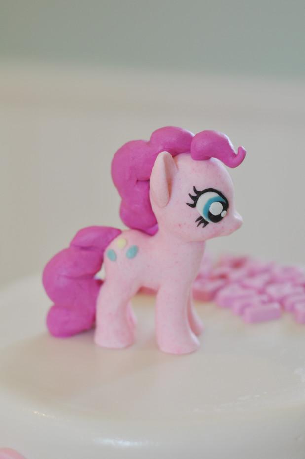 Pinkie Pie Cake